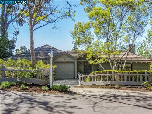 Photo of 56 Via Floreado, ORINDA, CA 94563 (MLS # 40944219)