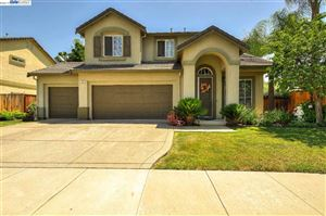 Photo of 935 Country Glen Ln, BRENTWOOD, CA 94513 (MLS # 40870224)