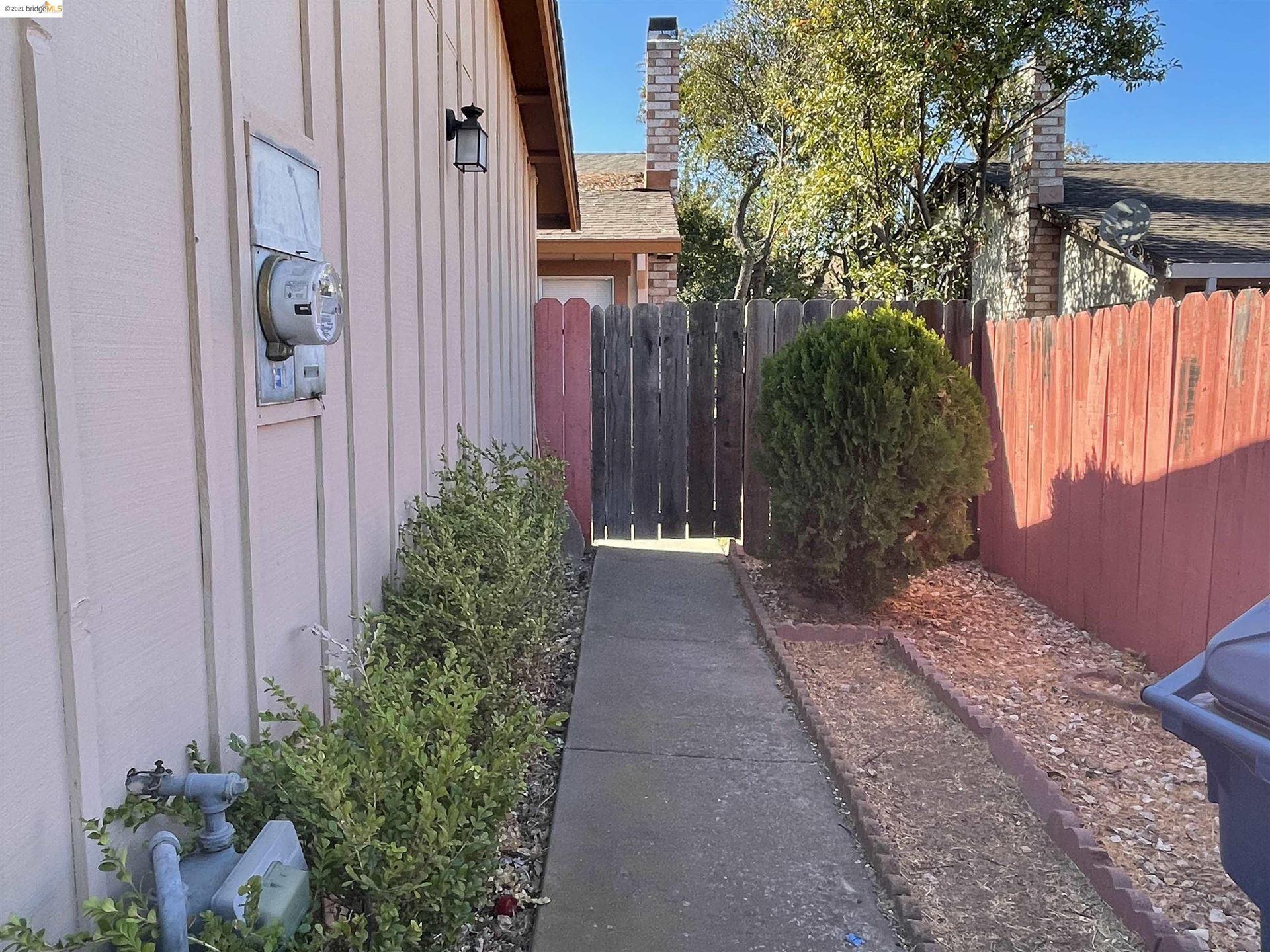 Photo of 2112 Banyan Way, Antioch, CA 94509 (MLS # 40971224)