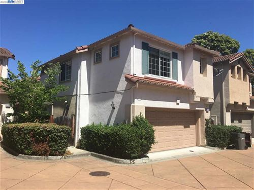 Photo of 15358 Snowy Plover Ct, SAN LEANDRO, CA 94579 (MLS # 40911225)