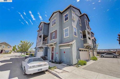 Photo of 9461 Dunbar Dr, OAKLAND, CA 94603 (MLS # 40951229)