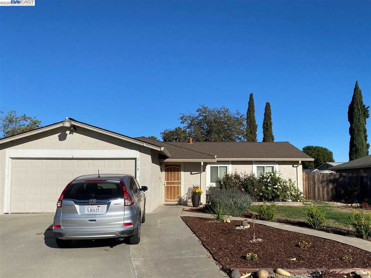 Photo of 2179 Bluebell Dr, LIVERMORE, CA 94551 (MLS # 40926229)