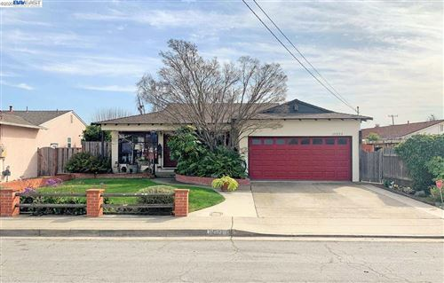 Photo of 15223 Laverne Dr, SAN LEANDRO, CA 94579 (MLS # 40896230)