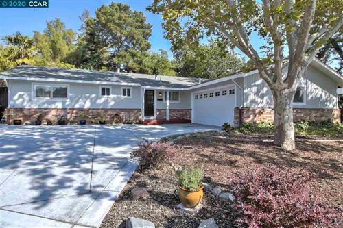Photo of 1242 Mcewing Ct, CONCORD, CA 94521 (MLS # 40925230)