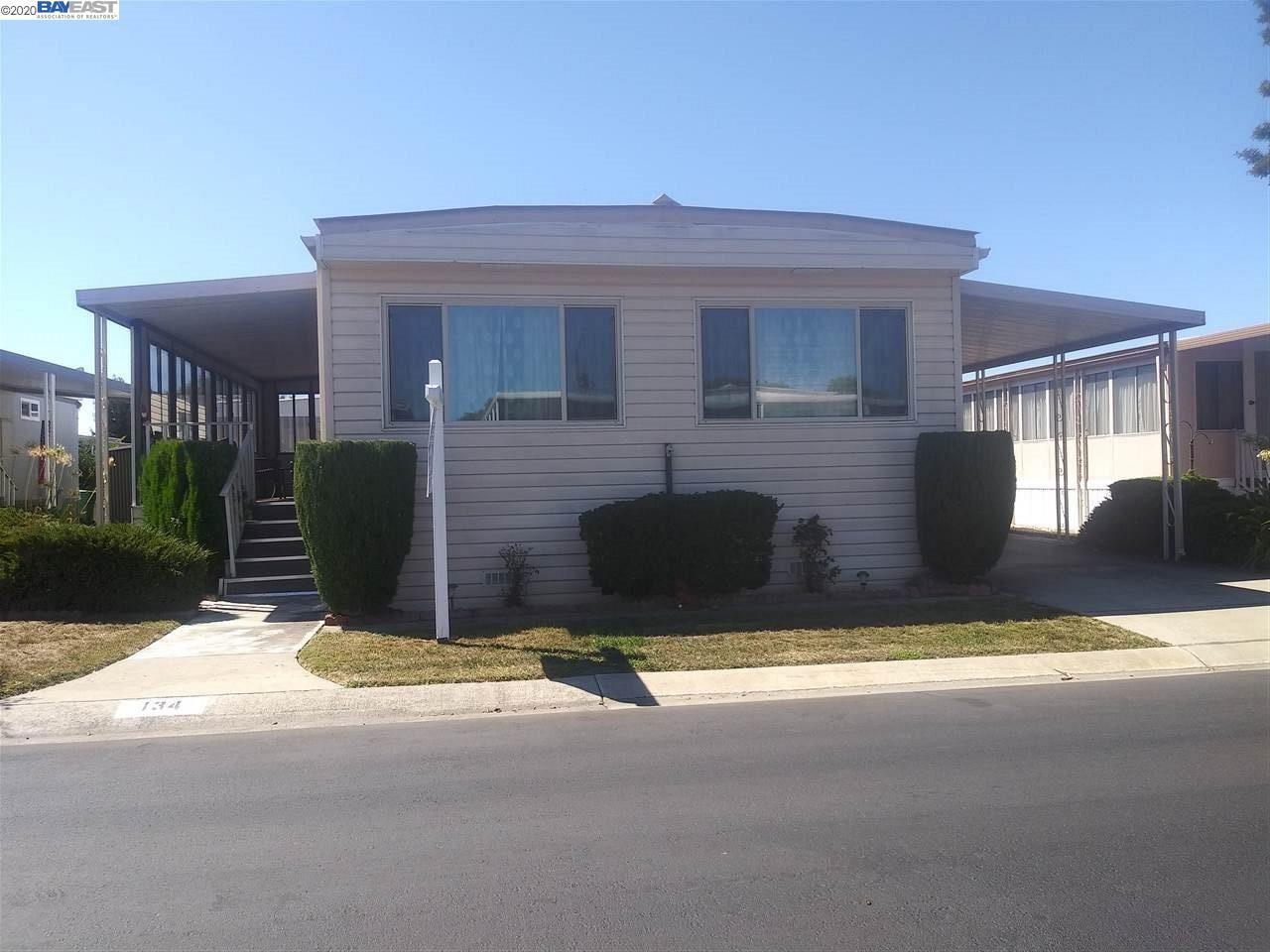 Photo for 134 Santa Teresa, SAN LEANDRO, CA 94579 (MLS # 40922230)