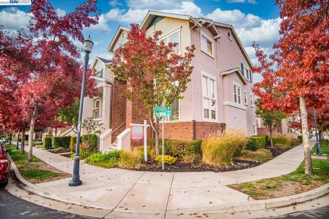 Photo for 350 Wood St #206, LIVERMORE, CA 94550 (MLS # 40930234)