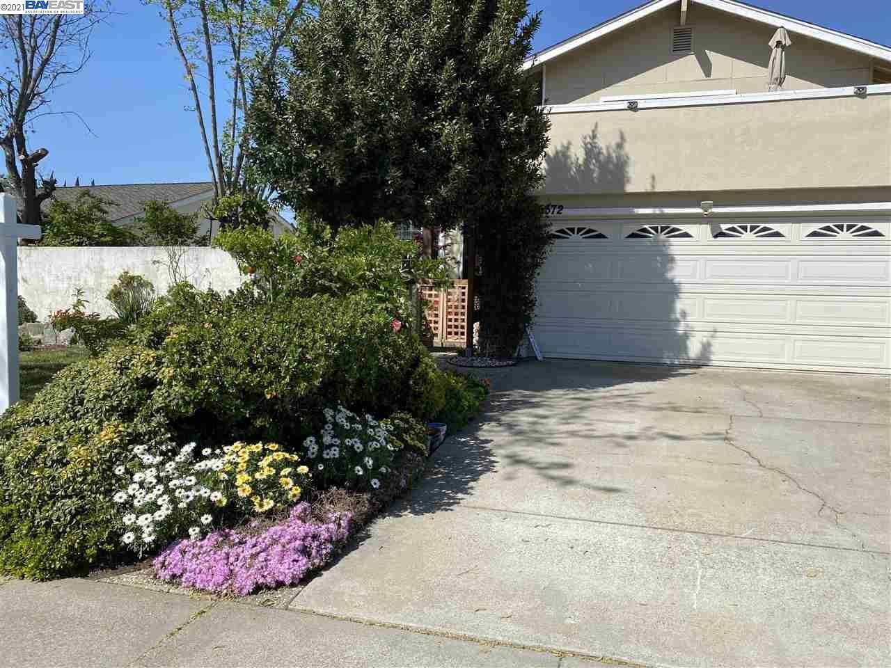 Photo of 5372 Charlotte Way, LIVERMORE, CA 94550 (MLS # 40943234)