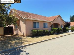 Photo of 921 GRIFFITH LN, BRENTWOOD, CA 94513 (MLS # 40849235)