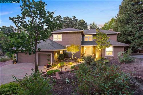 Photo of 246 VALLETON LANE, WALNUT CREEK, CA 94596 (MLS # 40892236)