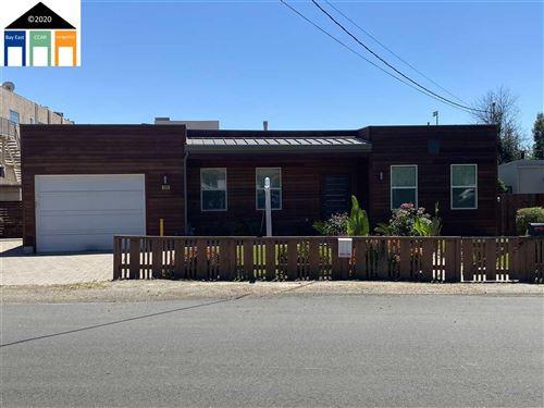 Photo of 4163 Wilson Ave, CASTRO VALLEY, CA 94546 (MLS # 40908236)