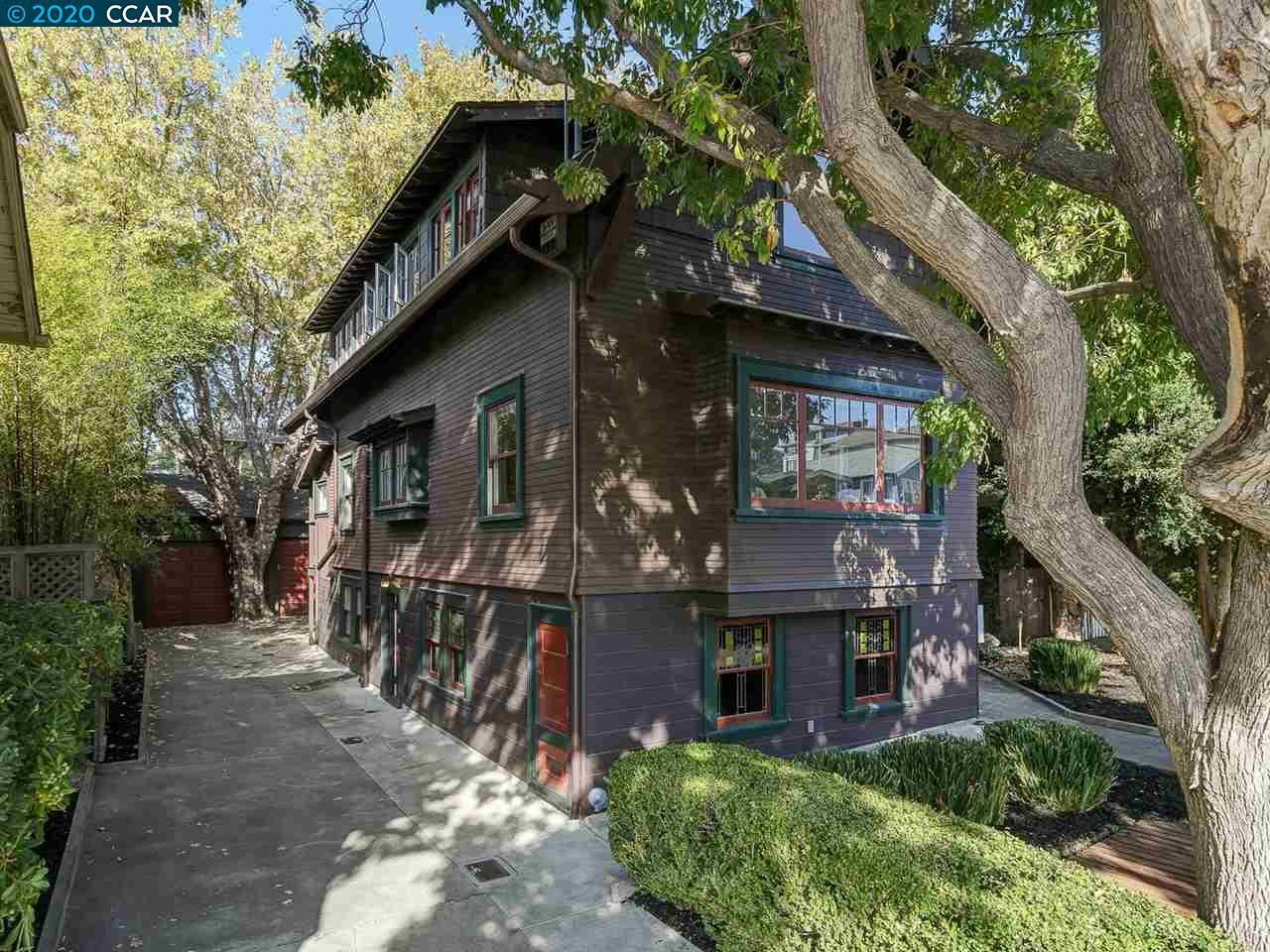 Photo of 4953 Desmond St, OAKLAND, CA 94618 (MLS # 40929236)