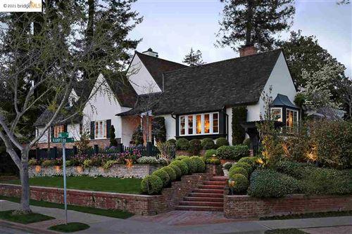 Photo of 94 King Ave, PIEDMONT, CA 94611 (MLS # 40944238)