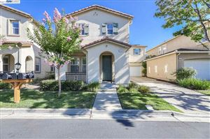 Photo of 112 Center Ct, DANVILLE, CA 94506 (MLS # 40878239)
