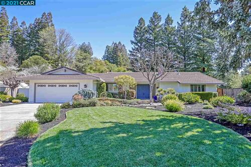 Photo of 930 Val Aire Place, WALNUT CREEK, CA 94596 (MLS # 40943239)