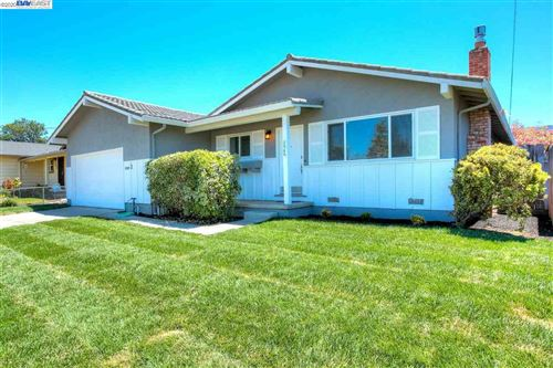 Photo of 2969 cabrillo ave, LIVERMORE, CA 94550-4717 (MLS # 40911243)