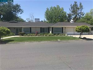 Photo of 3152 Roundhill Rd, ALAMO, CA 94507 (MLS # 40864245)