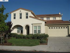 Photo of 501 Mantova Ct, DANVILLE, CA 94506 (MLS # 40874245)