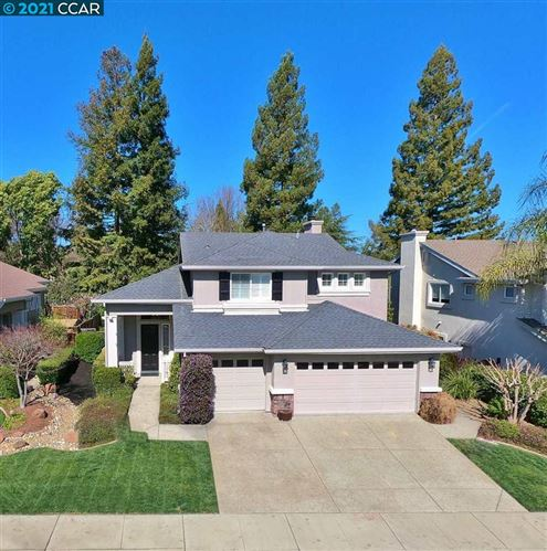 Photo of 38 Centennial Way, SAN RAMON, CA 94583 (MLS # 40939246)