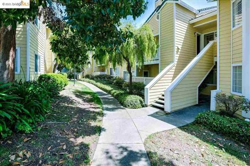 Photo of 304 Dursey, PINOLE, CA 94564-2665 (MLS # 40953246)