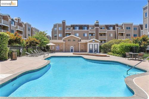 Photo of 6400 Christie Ave #2415, EMERYVILLE, CA 94608 (MLS # 40916247)