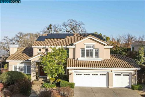 Photo of 15 Julie Highlands Ct, LAFAYETTE, CA 94549 (MLS # 40940248)