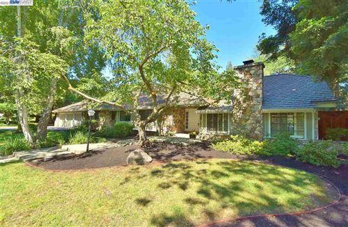 Photo of 2110 Hidden Oak Dr, DANVILLE, CA 94506 (MLS # 40955248)