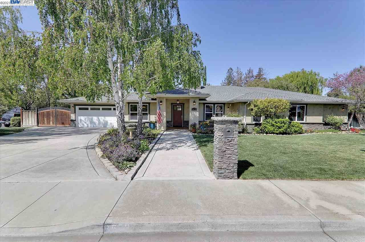Photo of 1673 Almond Ave, LIVERMORE, CA 94550 (MLS # 40945249)