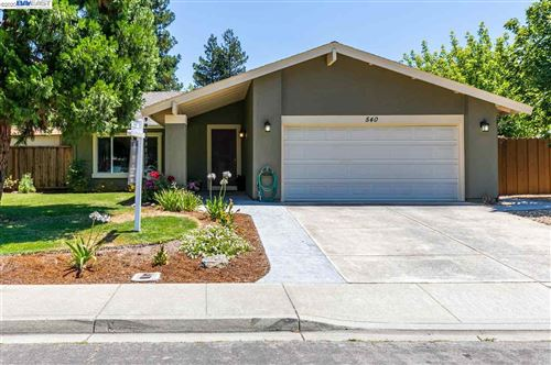 Photo of 540 Shelley Street, LIVERMORE, CA 94550-2368 (MLS # 40911251)