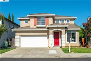 Photo of 1895 Travertine Way, UNION CITY, CA 94587 (MLS # 40879255)