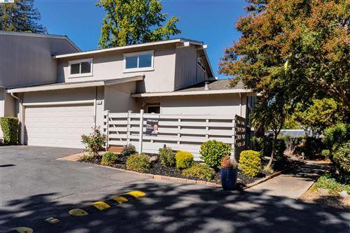 Photo of 140 Westfield Cir, Danville, CA 94526 (MLS # 40971255)