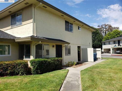 Photo of 2136 Skylark Ct #3, UNION CITY, CA 94587 (MLS # 40909256)