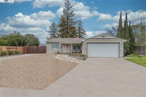 Photo of 7309 Circle Pkwy, SACRAMENTO, CA 95823 (MLS # 40940256)