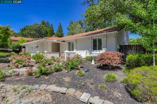 Photo of 516 Webster Dr, MARTINEZ, CA 94553 (MLS # 40911262)