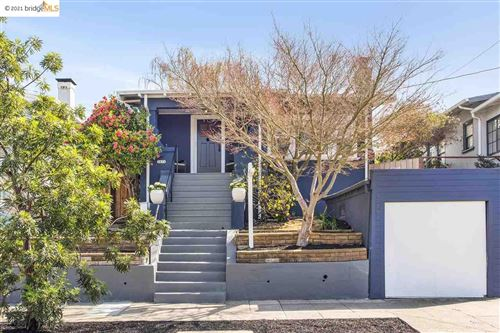 Photo of 3832 Lincoln Ave, OAKLAND, CA 94602 (MLS # 40940263)
