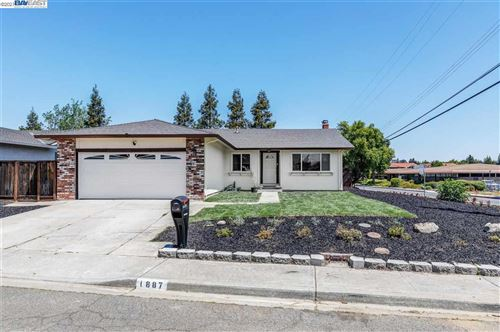 Photo of 1887 OLYMPIC DR, MARTINEZ, CA 94553 (MLS # 40955264)