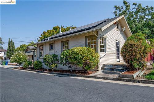 Photo of 19531 Stanton Ave, CASTRO VALLEY, CA 94546 (MLS # 40967264)
