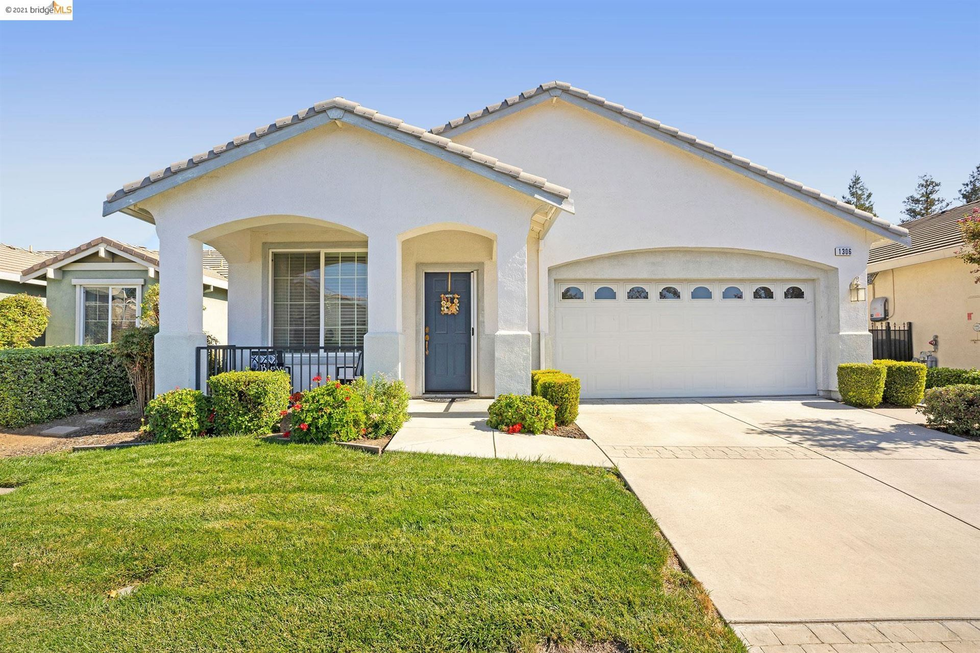 Photo of 1306 Pearl Way, Brentwood, CA 94513 (MLS # 40971264)
