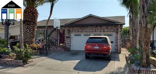 Photo of 464 Gordon Ave, TRACY, CA 95376 (MLS # 40927267)