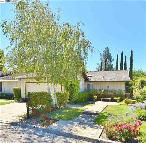 Photo of 601 Saint George Rd, DANVILLE, CA 94526 (MLS # 40960270)