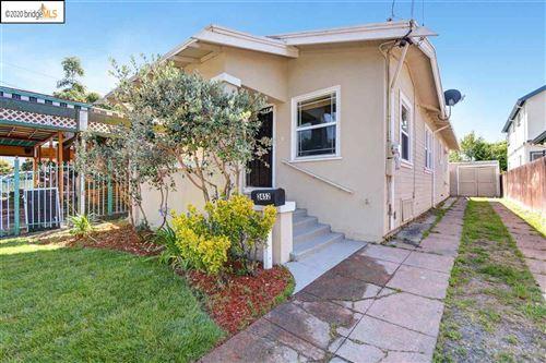 Photo of 2452 Humboldt Ave, OAKLAND, CA 94601 (MLS # 40906271)