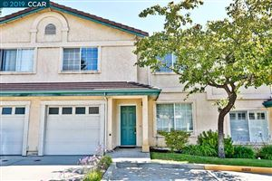 Photo of 3033 Grove Way #B, CASTRO VALLEY, CA 94546 (MLS # 40879274)