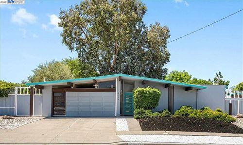 Photo of 4094 Wilson Ln, CONCORD, CA 94521 (MLS # 40960274)