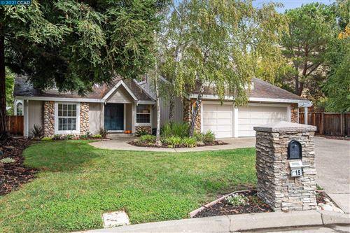 Photo of 15 Canyon Oak Pl, Danville, CA 94506 (MLS # 40972275)