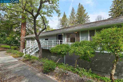 Photo of 3465 Tice Creek Dr #2, WALNUT CREEK, CA 94595 (MLS # 40940277)