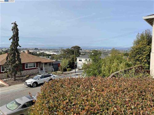 Photo of 305 Rolling Hills Avenue, SAN MATEO, CA 94403 (MLS # 40948277)
