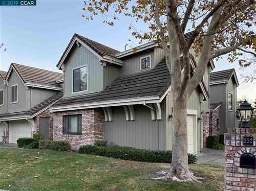 Photo of 332 S Eagle Nest Lane, DANVILLE, CA 94506-5812 (MLS # 40889279)