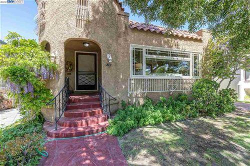 Photo of 258 W Broadmoor Blvd, SAN LEANDRO, CA 94577 (MLS # 40945280)