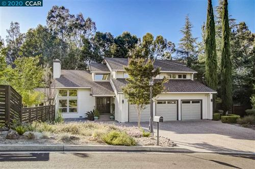 Photo of 16 Silverhill Way, LAFAYETTE, CA 94549-1736 (MLS # 40911284)