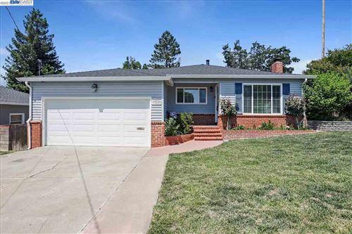 Photo of 19305 Vaughn Ave, CASTRO VALLEY, CA 94546 (MLS # 40955284)