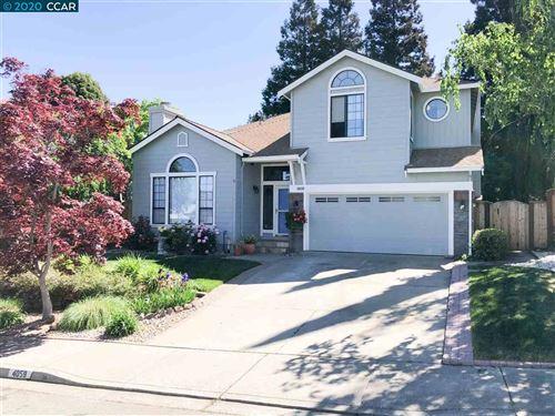 Photo of 4059 Medford Ct, MARTINEZ, CA 94553 (MLS # 40905285)